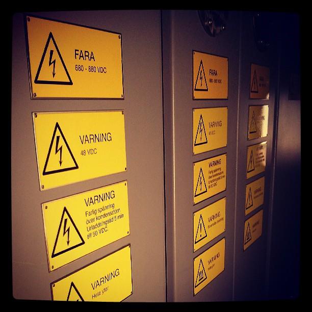 # Danger #Farligt #Fara