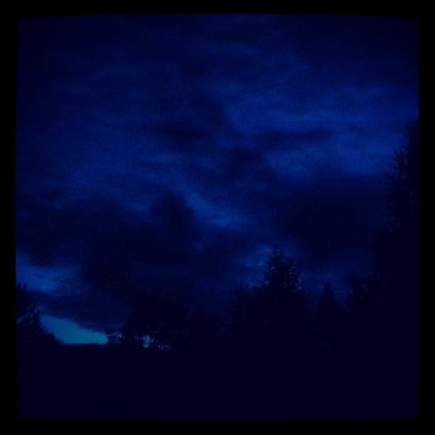 #Moln mitt i sommarnatten