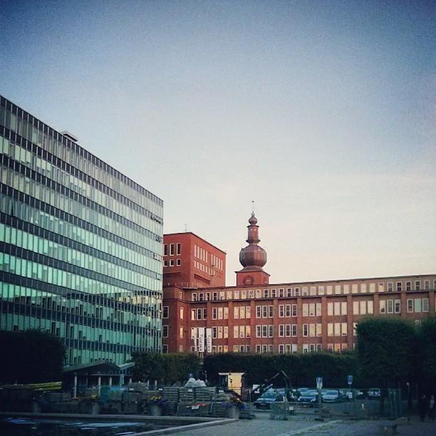 ASEA-tornet och glashuset, en sommarkväll. #Västerås