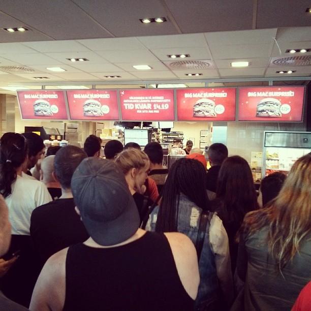 Kaos p� #McDonalds