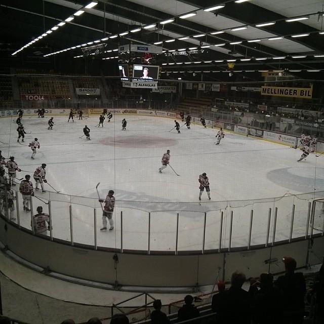 Nu kör vi igen då! Kom igen #VIK, sänk #Örebro!