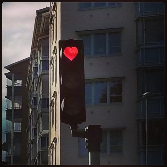 Hjärtligt rödljus i Västerås.