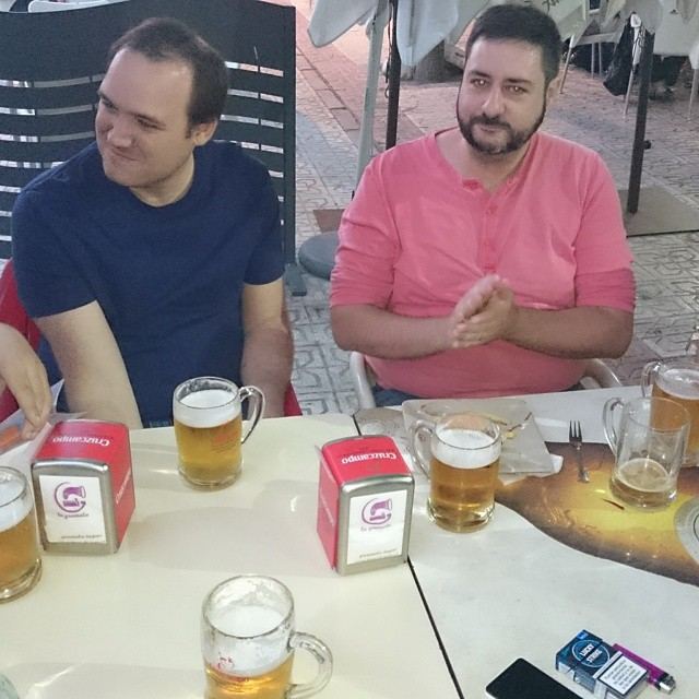 En liten öl, i väntan på tapas. #cerveza #tapas
