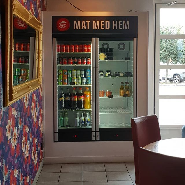 Vilken tur att den inte är hemlös... (från Pizza Hut Västerås)